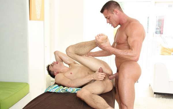 shane-fucks-after-massage